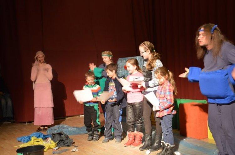 Spektakl ekologiczny dla dzieci wkinie ˝Farys˝